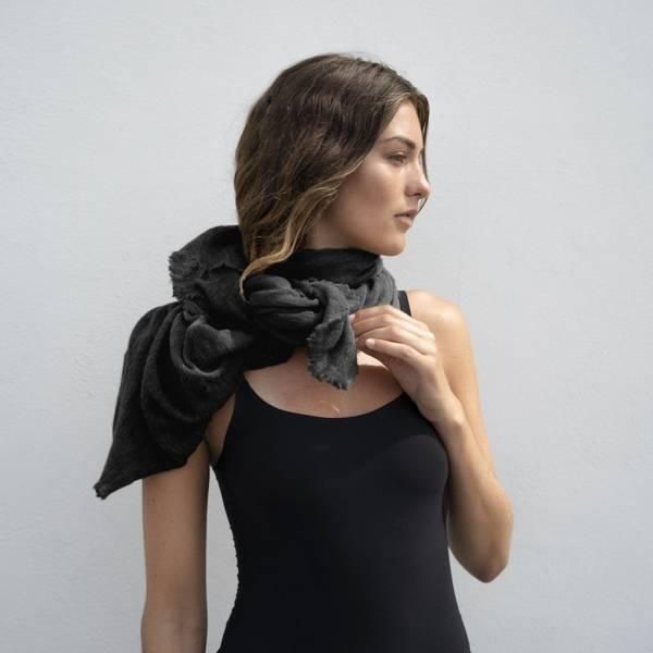 Natura Cashmere Luxury Scarf Black